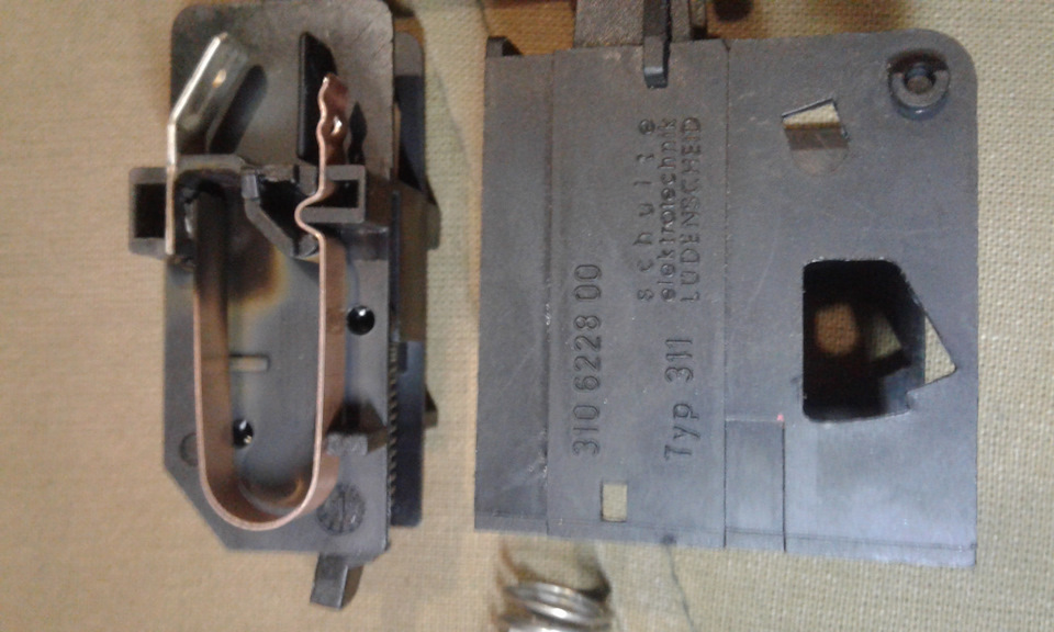 XsAAAgAc8eA-960.jpg